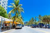 The famous Ocean Drive Avenue in Miami Beach, USA. — Stock Photo