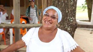 "A Brazilian woman saying ""Welcome to Bahia"" — Stock Video"