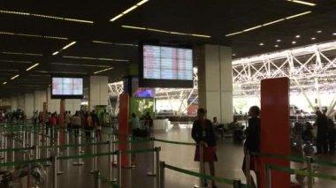 サンパウロ ブラジリア空港で、乗客 — ストックビデオ