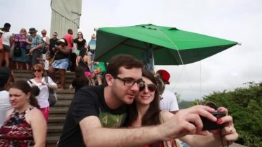 Tourists on the Corcovado Hill in Rio de Janeiro — Stock Video