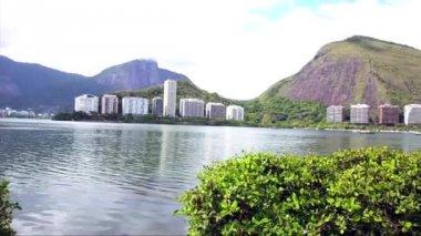 Rodrigo de Freitas Lagoon in Rio de Janeiro — Stock Video