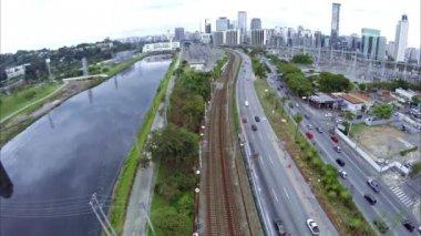 Traffic in Marginal Pinheiros in Sao Paulo — Stock Video