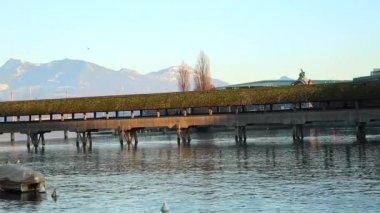 著名的教堂桥卢塞恩 — 图库视频影像