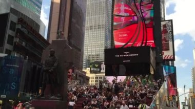 The famous Times Square in New York — Vídeo de Stock