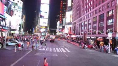 The famous Times Square in New York — Stock Video