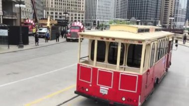 The famous trolley at the Lower Wacker Drive — Stock Video