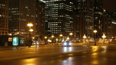 Cars at the Lower Wacker Drive in Chicago — Stock Video