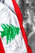 Libanais drapeau ondulant sur une mauvaise journée — Photo