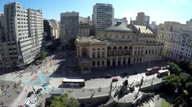 Flying over the Municipal Theater in Anhangabau Valley, Sao Paulo, Brazil — Stock Video