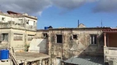 Poor houses in Havana, Cuba — Stock Video