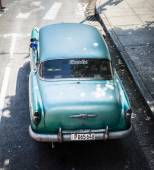 Old Chevrolet on Vedado district in Havana, Cuba. — Stock Photo
