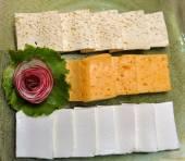 板上的奶酪 — 图库照片