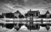 Teutonic Knights in Malbork castle in summer. World Heritage List UNESCO. — Stock Photo