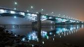 霧の夜の橋。ポニャトフスキ橋 — ストック写真