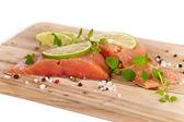 Salmón fresco con especias — Foto de Stock