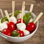 Mini caprese. Finger food. — Stockfoto