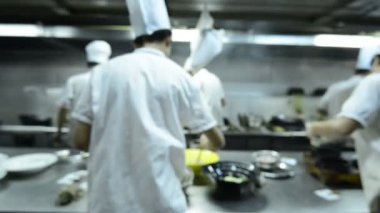 Motion chefs of a restaurant kitchen — Stock Video
