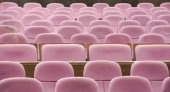 The empty chair in the cinema — Foto Stock