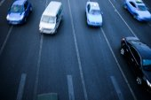 Cars in highway with blur motion — Stock Photo