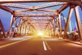 Night traffic lights inside of the  Waibaidu Bridge of shanghai — Stock Photo