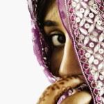 Постер, плакат: Woman behind veil