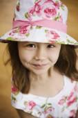 Asian girl wearing hat — 图库照片