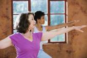 Senior donne esercitano — Foto Stock