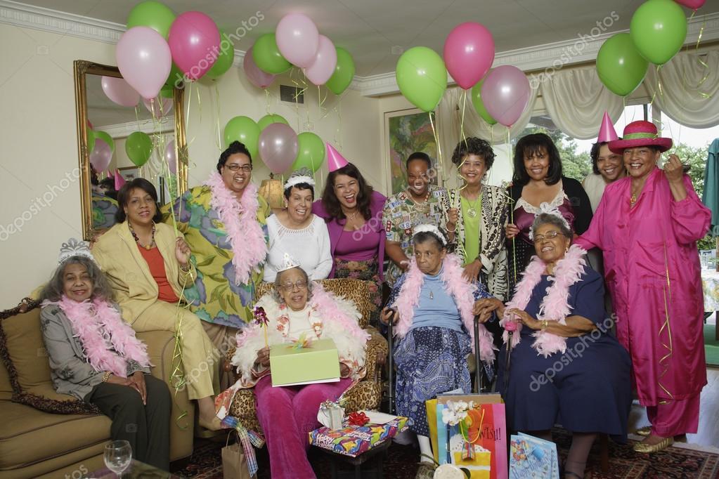 fiesta de cumplea os para adultos mayores con globos