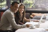 Hispanic couple at restaurant — Stock Photo