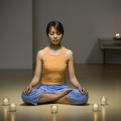 Pacific Islander woman meditating — Stock Photo