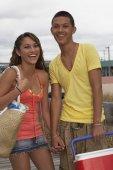 Teenaged Hispanic couple holding hands — Stock Photo
