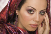Middle Eastern woman wearing head scarf — Stock fotografie