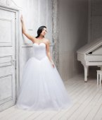 Bride posing in studio — Stock Photo