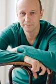 Portrait of smart bald man wearing a striped shirt — Foto Stock