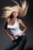 Piękna młoda kobieta portret — Zdjęcie stockowe