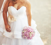 Beautiful caucasian bride . — Stock Photo
