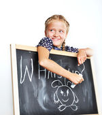 Niña sonriente escuela lindo dibujo. — Foto de Stock