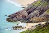Skały i piasek plaż Cap Erquy — Zdjęcie stockowe