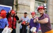 """Men wear """"Beer Hands Free Kit"""" — Stock Photo"""