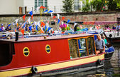Traditional boats participate in Canalway Cavalcade — Stock Photo