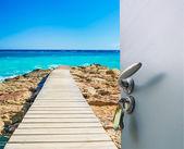Sea door view from the pier — Stockfoto