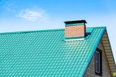 Tubulação no telhado — Fotografia Stock