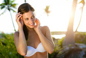 Brunette woman on tropical caribbean vacation — Stock Photo
