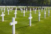 Omaha Beach, Normandy American Cemetery and Memorial Graves — Stock Photo