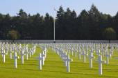 Henri-Chapelle American Cemetery and Memorial, Towering American Flag — Stock Photo