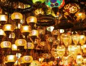 Lanterns on sale at Grand Bazaar in Istanbul — Stock Photo
