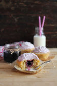 Berry cupcakes with buttercream — Stock Photo