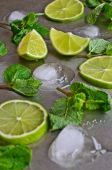 Mint, lime, ice — Stock Photo