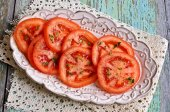 Appetizer of chopped tomatoes — Stock Photo