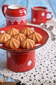 Small cone-shaped cookies — Stock Photo